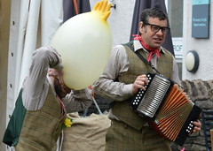 Performers at Kendal Food Festival 2016 - 2 (Tony Worrall Foto) Tags: show county uk england silly fun outside funny stream tour open place northwest unitedkingdom candid country north visit location event cumbria area glove trick northern update performers attraction busk kendal entertainers welovethenorth