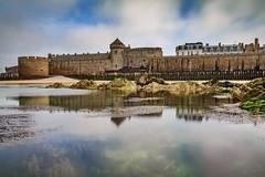 Les Remparts de Saint-Malo (Michel Hincker) Tags: sea beach water architecture canon landscape refections 80d