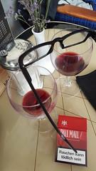 Glasses (lasser.bernd) Tags: macro glasses vine april augusta makro wein lamm germanydeutschland europagermany samsunggalaxys6edge augsburgbayerngermany brilledurst