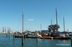 Nieuwe Houthaven 1-5-16 (kees.stoof) Tags: haven amsterdam port harbor ships nieuwe platbodem schepen houthaven remeiland nieuwehouthaven