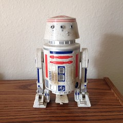 This Droid (evil robot 6) Tags: toys robot starwars droid r5d4