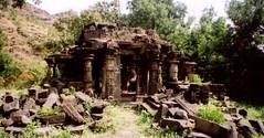 I do love a beautiful, overgrown, abandoned temple. (randwick20) Tags: temple krishna maharastra radha crator lingum vishnutemple lonar templeruin