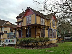 Gilbert House Children's Museum | Salem, OR (eg2006) Tags: house tower architecture oregon victorian historic oldhouse salem victorianhouse gilberthouse salemoregon gilberthousechildrensmuseum