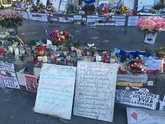 Place de la république - Paris 11 (stefff13) Tags: paris statue pray liberté hommage république priere attentat receuil