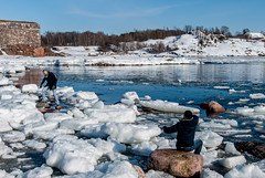(LiveToday84) Tags: trip travel winter sea ice water island boat frozen helsinki north suomenlinna d80