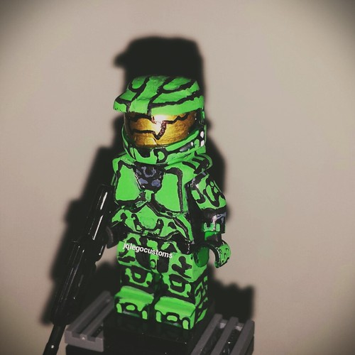 The Halo 2 Anniversary Master Chief Armor Minifigure I