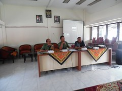 "sosialisasi SIKK oleh UNDP ke BPBD kab blitar_05 • <a style=""font-size:0.8em;"" href=""http://www.flickr.com/photos/133517930@N07/24208175602/"" target=""_blank"">View on Flickr</a>"