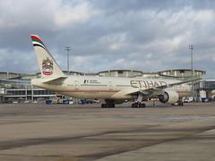 A6-ETN (redlegsfan21) Tags: paris de airport charles boeing airways gaulle cdg ey etihad 777300 etd  lfpg        a6etn