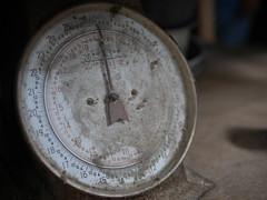 P9220695 (ahitofmeth) Tags: old hk broken scale vintage hkg