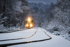 Leaser in the Snow (Peyton Gupton) Tags: railroad train sub kd corbin csx railraod jellico saxton