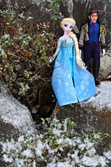 elsa and hans wishing they had more time in the snow (girl enchanted) Tags: film movie frozen ds disney le collectible disneystore frozendoll elsadoll disneyfairytaleset elsaandhansdisneyvillainset
