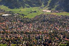 Garmisch - Blick von der Alpe Sankt Martin (2) (Pixelteufel) Tags: city panorama bayern bavaria urlaub alpen altstadt ferien freizeit tourismus garmischpartenkirchen erholung ortskern ortsmitte