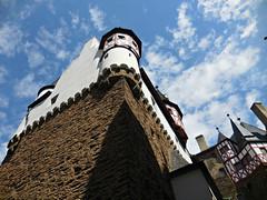 Burg Eltz (kenjet) Tags: sky cloud building tower castle history weather stone architecture clouds century germany burgeltz bluesky medieval structure walls turret burg castlewall eltz eltzcastle castlewalls