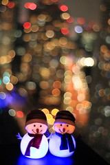 a couple toy snowman (cate) Tags: toy tokyo bokeh hamamatuchyo
