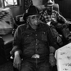 keep smiling (j.p.yef) Tags: people bw usa men monochrome hat room sw inside rancher yef peterfey jpyef