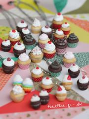 Cupcake Jewelry (PetitPlat - Stephanie Kilgast) Tags: cake cupcakes sweet polymerclay fimo pastry minifood miniaturefood fauxfood foodjewelry cupcakenecklace cupcakeearrings fimofoods