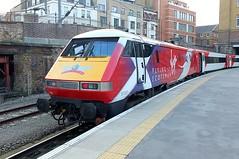 The Modern Scotsman (crashcalloway) Tags: london electric train virgin locomotive railways kingscrossstation 91101 class91 theflyingscotsman virgineastcoast