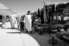 Father & Son (toletoletole (www.levold.de/photosphere)) Tags: street people bw men fuji market menschen morocco sw markt zagora marokko mnner xt1 fujixt1