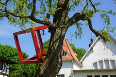 Kunst am Bau(m)   Pln - Holstein (HerryB) Tags: germany photography see europa europe flickr photos kunst fotos cube allemagne schleswigholstein holstein kubus schleswig norddeutschland pln ploen malente panoramio allemania 2013 bechen plnerseen heribertbechen