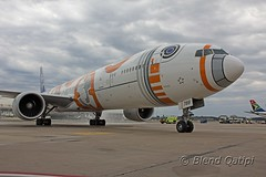 JA789A - Star Wars BB-8 (dcspotter) Tags: usa airplane virginia ana washingtondc washington starwars dulles iad unitedstates aircraft unitedstatesofamerica jet nh airline boeing 777 spotting airliner jetliner planespotting kiad b777 staralliance allnippon 777300 passengeraircraft allnipponairlines washingtondullesairport 777300er 77w b773 specialcolors washingtondullesinternationalairport bb8 dullesinternational b77w ja789a blendqatipi dcspotter