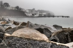 Bad weather in Sassnitz (Baltic Sea) (unukorno) Tags: mist beach fog stones balticsea rgen sassnitz frstenhof