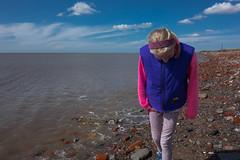 Beachcombing (tabulator_1) Tags: liverpool coast crosby crosbybeach