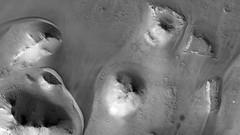 ESP_016395_1720 (UAHiRISE) Tags: mars landscape science nasa geology jpl universityofarizona mro