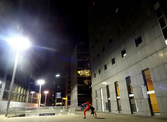 Gravity (juliencastres) Tags: light architecture night gym gomtrie gravit