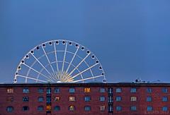 Noria Liverpool ((C)JJMB) Tags: inglaterra window liverpool ventana luces arquitectura ciudades viajes urbana turismo ladrillos noria atracciones ingls rojpo