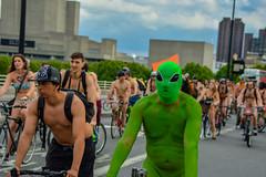 The Cyclists (Le monde d'aujourd'hui) Tags: london 2015 wnbr