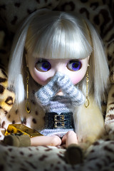Week 5 - Hiding (Eloines) Tags: macro hair gold nikon doll dolls factory dress fake sigma blonde movies week blythe bling weeks tbl hiding takara darcy challenge collecting 52 fbl bl 105mm 2016 ebl rbl d3200