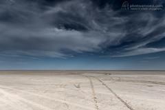 Salt pan / Zoutvlakte (photovansoest | nature & wildlife photography) Tags: africa sky nature scenery natuur afrika botswana lucht landschap emptyness saltpan 2015 leegte zoutvlakte kubuisland