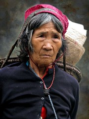 Tagin woman (Linda DV) Tags: street travel portrait people baby india face barn canon children geotagged kid child candid culture tribal clothes kind criana tribe ethnic minority 2008 enfant nio sevensisters tribo stam arunachal ethnology dziecko tribu bambino stamm    travelphotography lapsi  copil dijete trib  dt trib 7sisters arunachalpradesh  heimo travelportrait northeastindia  stamme  daporijo pokolenia powershots5is minorit  tagin minderheid  lindadevolder  plemena pokolen     picmonkey
