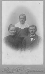 Familien Larsen, Trondheim (aasenhistorie.no) Tags: norway norge norwegen trondheim srtrndelag rland trondhjem rlandet gamlekirkevei gamlekirkevei6 innstrand aasenhistorieno indstrand