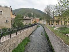 2011 04 24 Marche - Visso_0314 (Kapo Konga) Tags: panorama italia borgo marche paesaggio visso