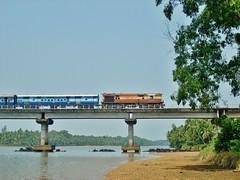 KSR Bengaluru City-Karwar Express! (VigNesH WDM3D) Tags: railway express konkan karwar wdm3a