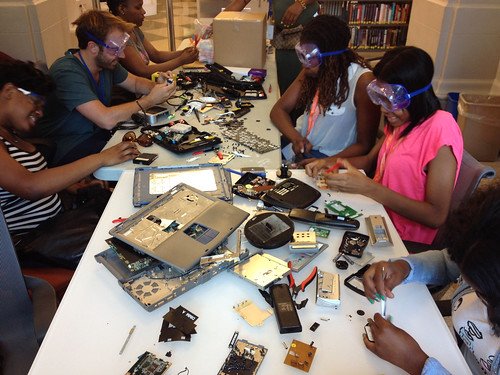 "The joy of taking apart electronics in a Philadelphia, PA library. Photo by Free Library of Philadelphia  makerjawn.org/ • <a style=""font-size:0.8em;"" href=""http://www.flickr.com/photos/141018745@N05/25718555486/"" target=""_blank"">View on Flickr</a>"