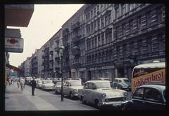 (Kaopai) Tags: auto west color berlin vintage dia 1966 architektur autos farbe farbig bckerei westberlin historisch westen pkw farbfoto grnderzeithuser farbdia fusgnger fusgngerweg paech schlterbrot