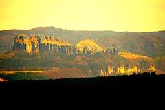 Schrammsteine,Blick von der Fesung Knigstein (Sachsen) (jens_helmecke) Tags: nature rock germany deutschland nikon saxony natur jens sachsen elbe felsen schsischeschweiz elbtal elbsandsteingebirge schrammsteine helmecke