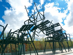Ale Hop (joluplar) Tags: espaa hospital spain arquitectura ciudad paisaje valladolid escultura montaa rare sillas raro fz200