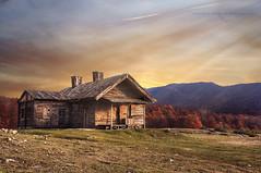 giochi di sera (swaily ◘ Claudio Parente) Tags: sunset montagne nikon tramonto abruzzo rifugio nikond300 swaily