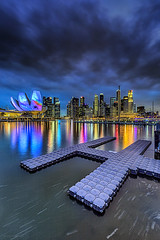 QUAY (ChieFer Teodoro) Tags: reflection water canon river landscape lights singapore soft cityscape quay filter 09 lee cbd gitzo graduated density 6d neutral 1635 1635mm ilights phottix sunwayfoto