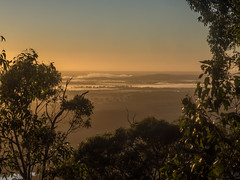 """Sunrise over Mt Buninyong 2 • <a style=""""font-size:0.8em;"""" href=""""http://www.flickr.com/photos/7605906@N04/26010292100/"""" target=""""_blank"""">View on Flickr</a>"""