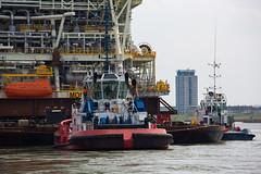 20160409-944C0972 (Peet de Rouw) Tags: bridge ship offshore transport tugboat heerema portofrotterdam kotug denachtdienst canon5dmarkiii peetderouw