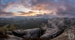 Sonnenaufgang auf dem Kleinen Winterberg (MD-Pic) Tags: panorama clouds sunrise germany deutschland nationalpark nikon rocks nebel saxony wolken sachsen sonnenaufgang hdr felsen schsischeschweiz elbsandsteingebirge saxonswitzerland zschand d7100 kleinerwinterberg