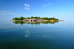 Which tropical island? (pentlandpirate) Tags: camp fish swim island boat yacht tranquility tent barbeque hunt archipelago saaristo