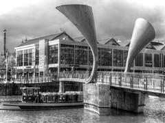 Pero's Bridge (Andrew Gustar) Tags: bridge ferry bristol trumpet harbourside peros 116picturesin2016