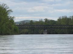 IMG_9521 (NICOB-) Tags: soleil eau arbres cher pont nuages bourgogne loire sancerre printemps fleuve nivre cosnesurloire pontdupo