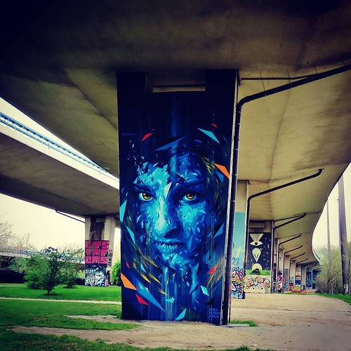 Hard to beat a #Mehsos #wall - #Streetart #graffiti #BXL #streetartbel #Belgium #graffitiart #urbanart #urbanart_daily #graffitiart_daily #streetart_daily #Belgium #beauty #lady #girl
