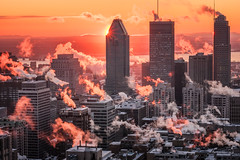 Mont....grrrr...éal! (Elf-8) Tags: city morning winter sky cloud cold skyline dawn montreal fume